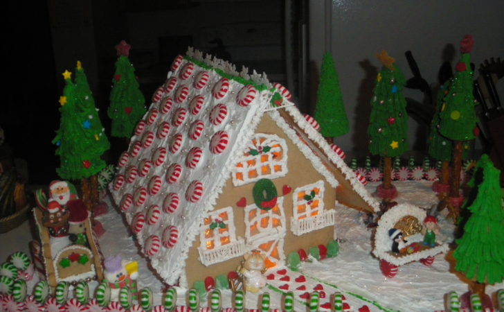 Best Gingerbread House Decorating Ideas