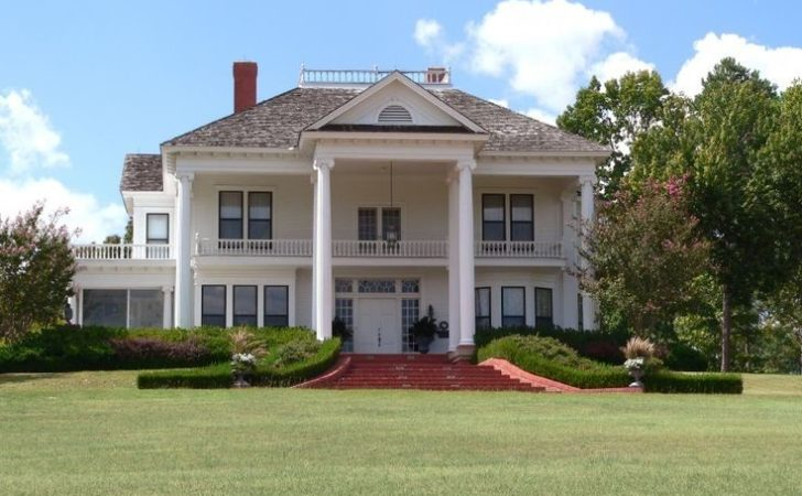 Best Plantation Style Houses Ideas Pinterest