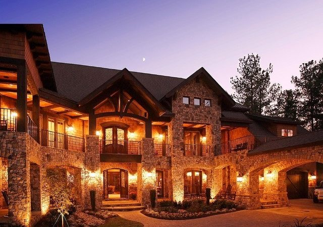 Craftsman Style Lodge House