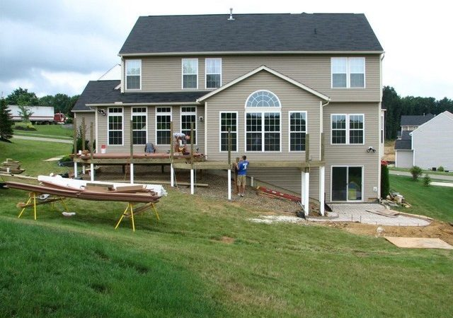 Deck Walkout Basement Traditional Other Metro