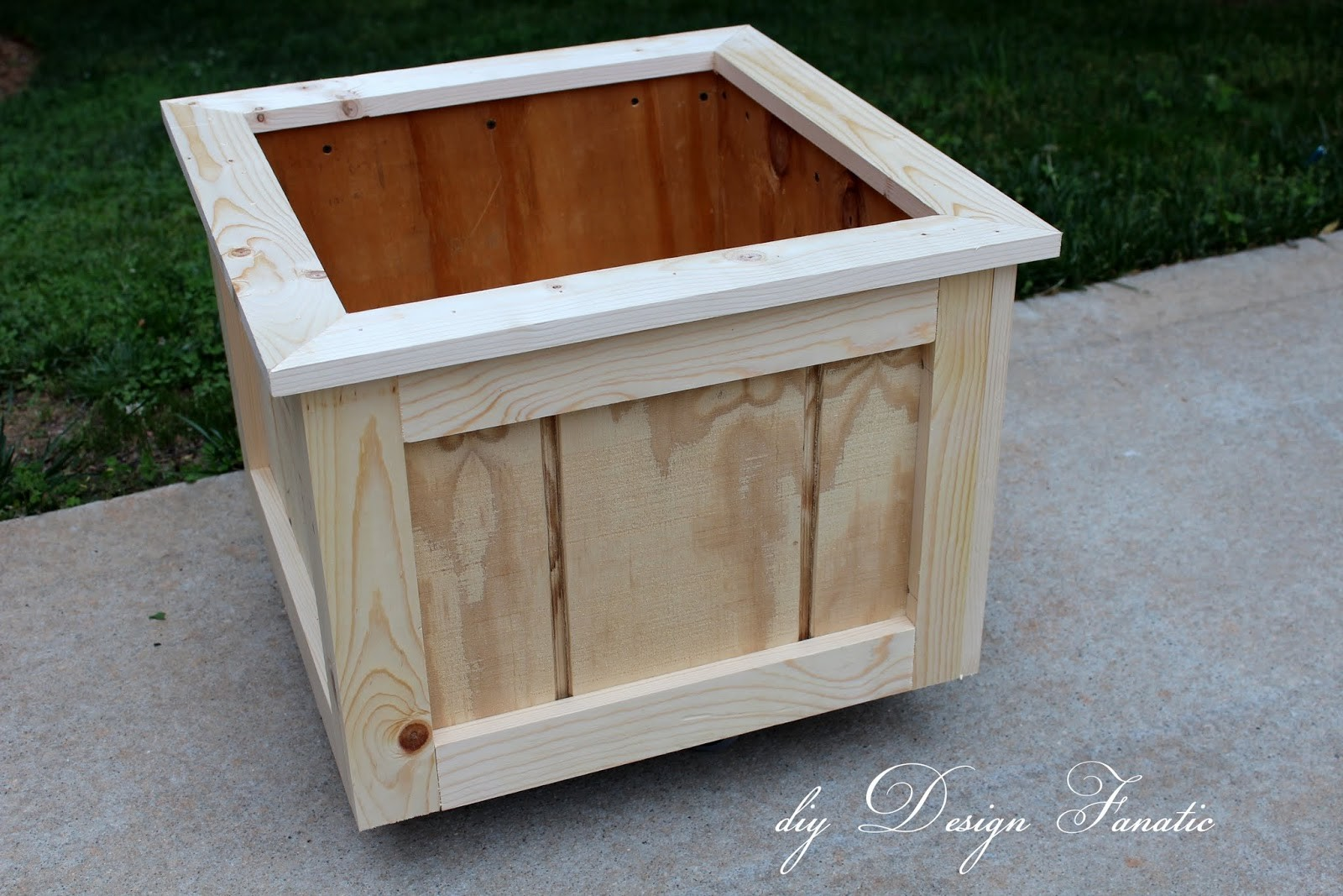 Diy Design Fanatic Make Wood Planter Box