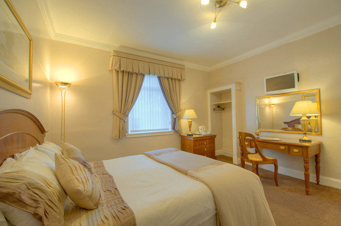 Edinburgh Guest House Accommodation Suite Rooms