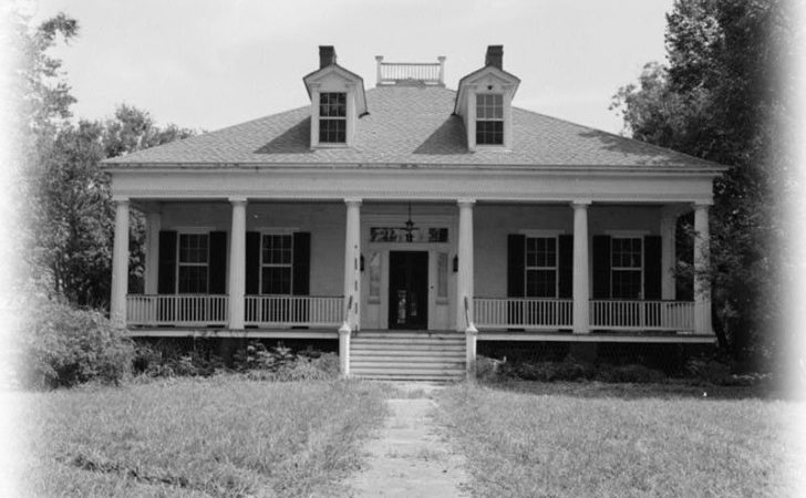 Elegant Single Story Antebellum Plantation Home