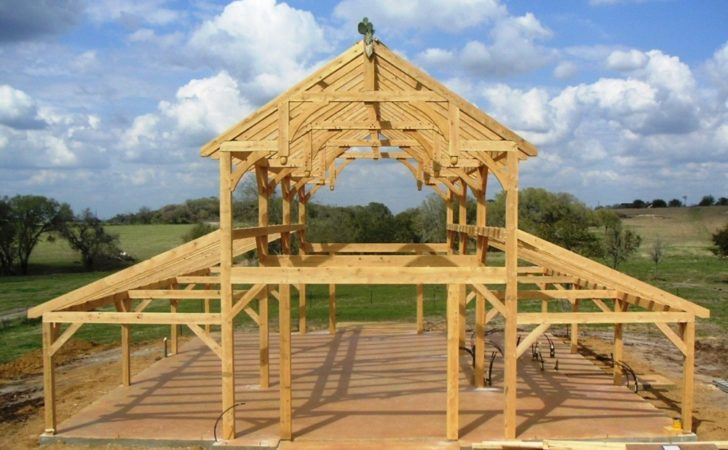 Equipment Barn Hemlock Frame Curved Braces