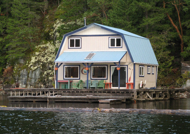 Float Cabins Powell Lake