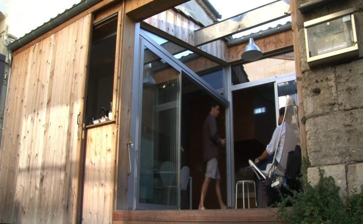 Former Garage Becomes Transformable Tiny Home