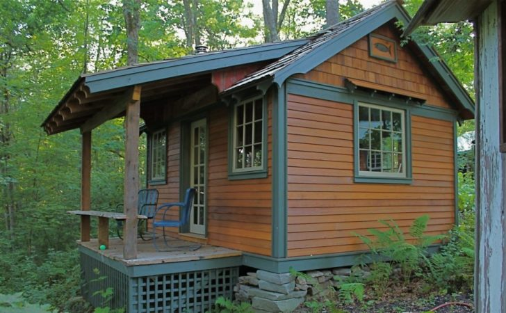 Hobbitat Tiny House Builder Offers Micro Small