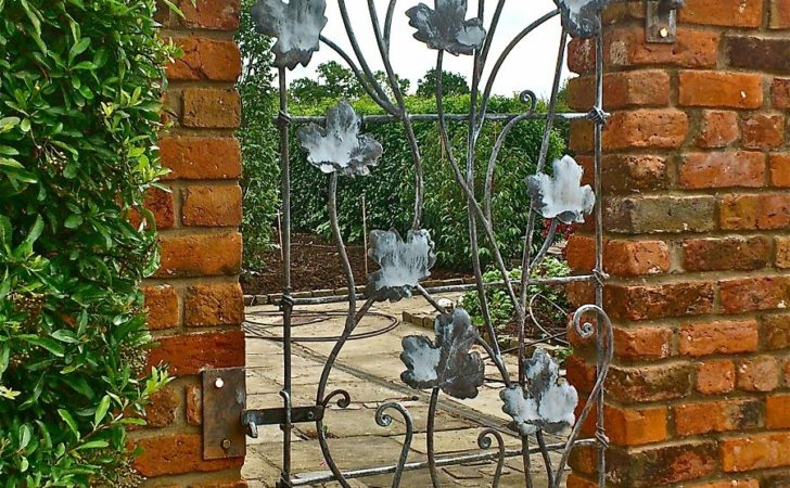 Ideas Metal Garden Trellis Design