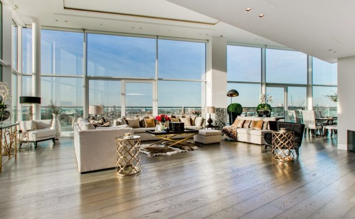 Inside Incredible London Penthouse Lounge
