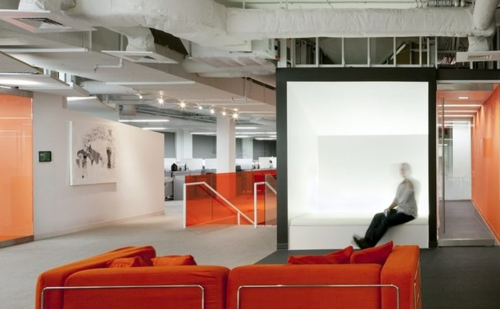 Kayak Startup Tech Office Industrial Style Exposure White