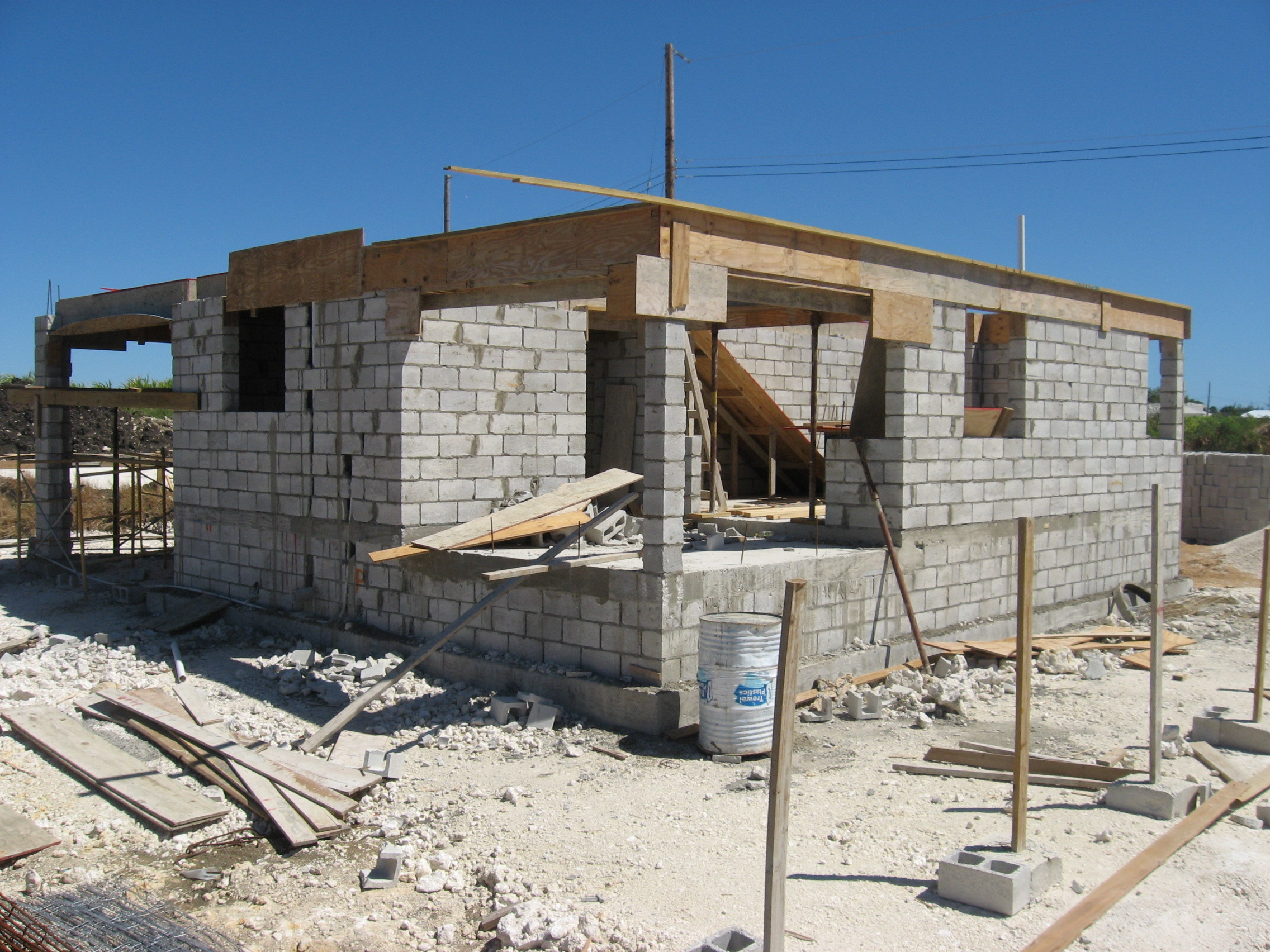 Know Before Build Large Concrete Blocks House