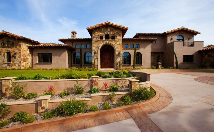 Landscaping Front Yard Tuscan