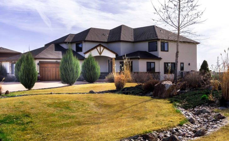 Large Custom Home Car Attached Heated Garage