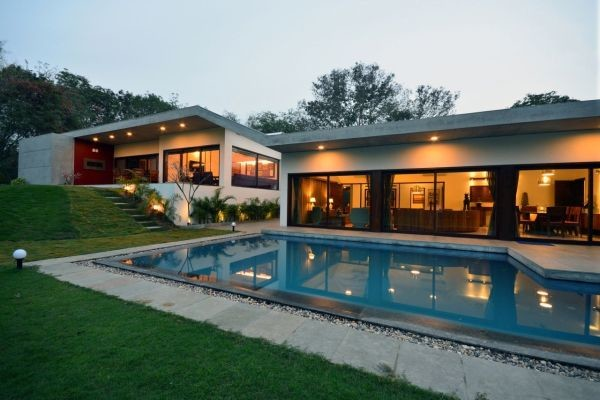 Luxury Home Surrounded Natural Beauty India