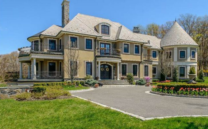 Million Square Foot Hilltop Colonial Mansion