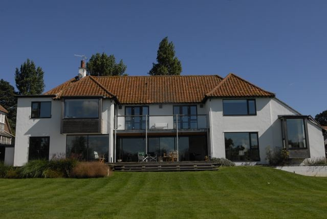 Modernised Country House Open Plan Living Lots