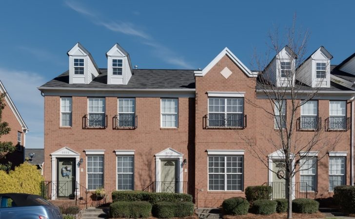Open Car Garage Brick Townhome Indian Trail
