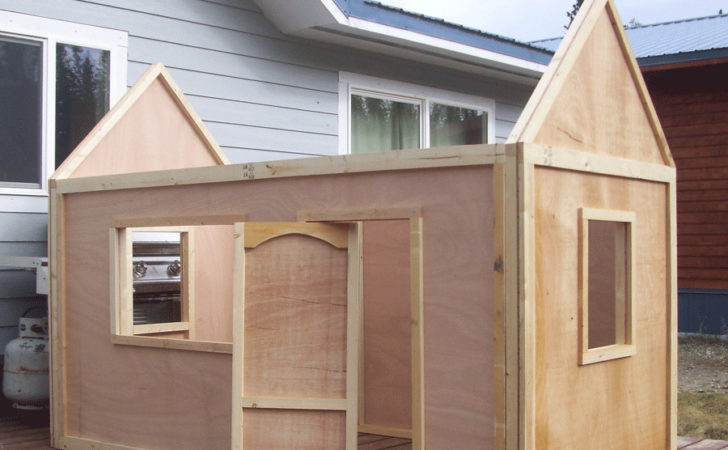 Playhouse Roof