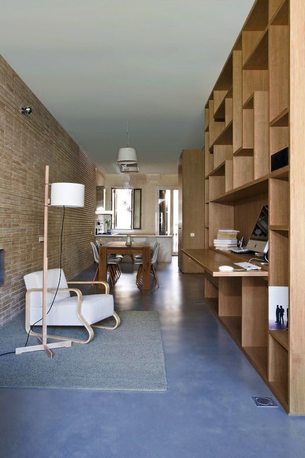 Renovated Restructured Narrow Apartment Historic