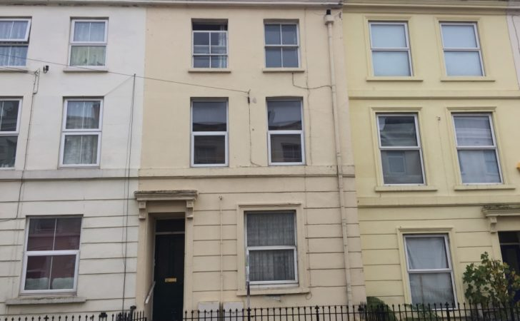 Rent Double Bedroom Split Level Duplex Flat