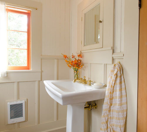 Small Cottage Bathroom Home Design Ideas