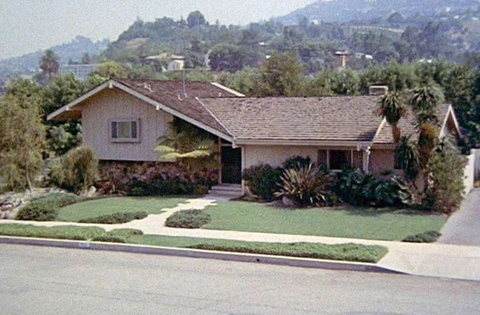Split Level House Home Brady Bunch