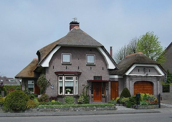 Thatch Roof Dutch Style