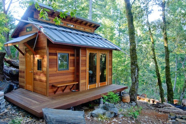 Tiny House Shelters Cheap Mountainous Woods