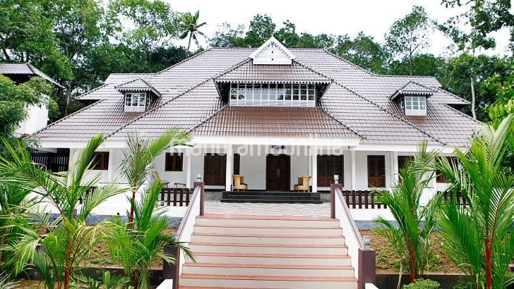 Traditional Malayali Home Design Square Feet