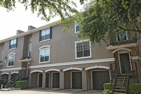 Tri Level Townhome Attached Garage Houston
