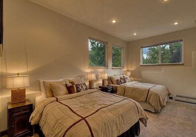 Vacation Luxury Spacious Bedroom Lakeview